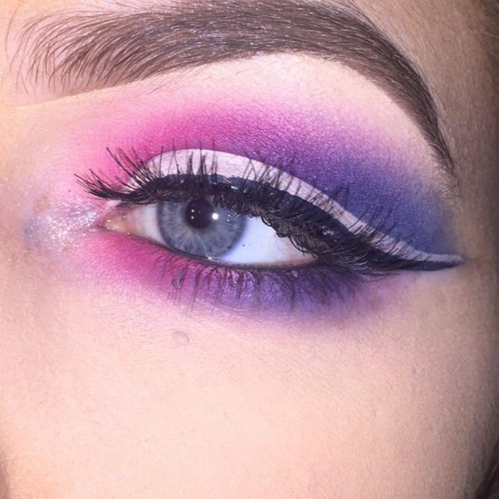 Purple fantasy met wing